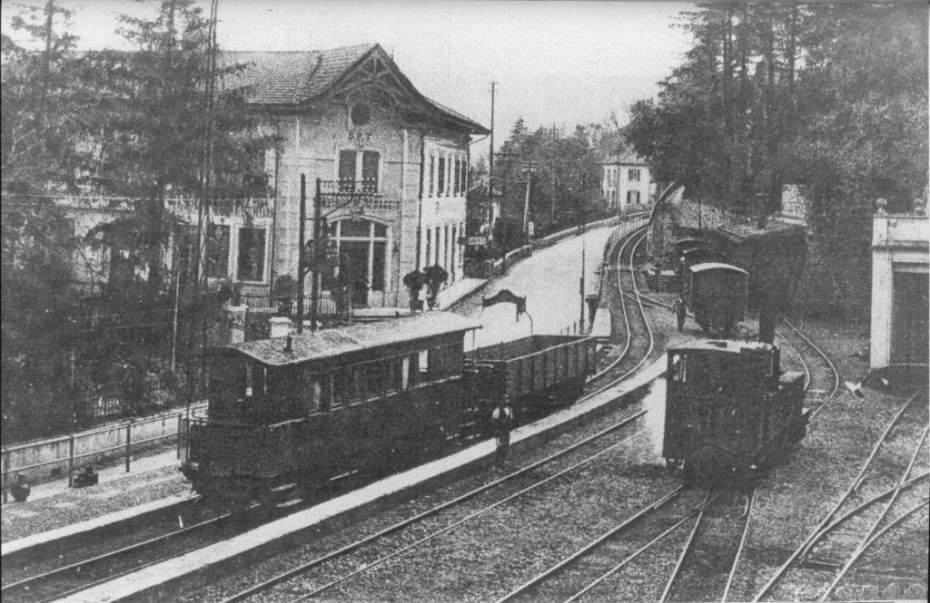 Menaggio Station (southern end) 1920/30s after the addition of a fourth track (right of picture)